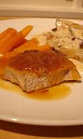 Côtelettes de porc avec une sauce à l'orange