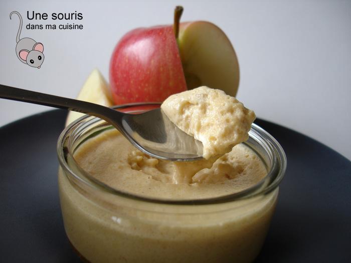 Mousse aux pommes et au caramel