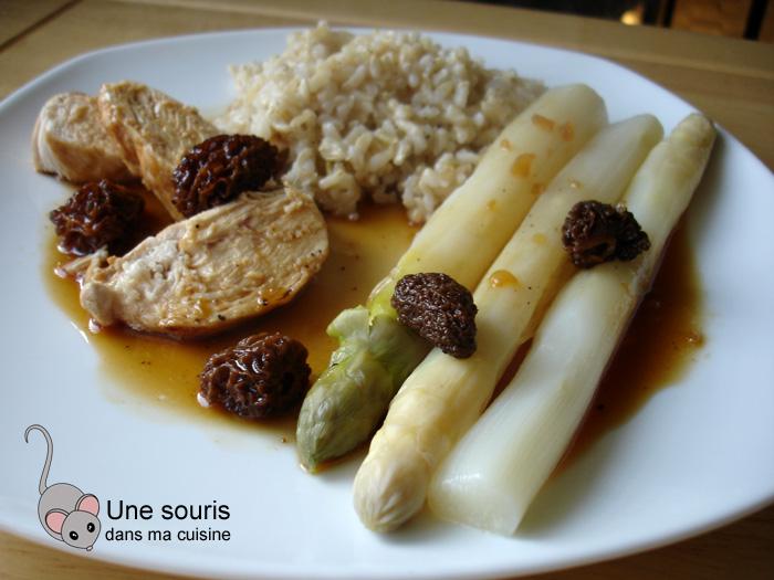 Poulet aux morilles et aux asperges blanches