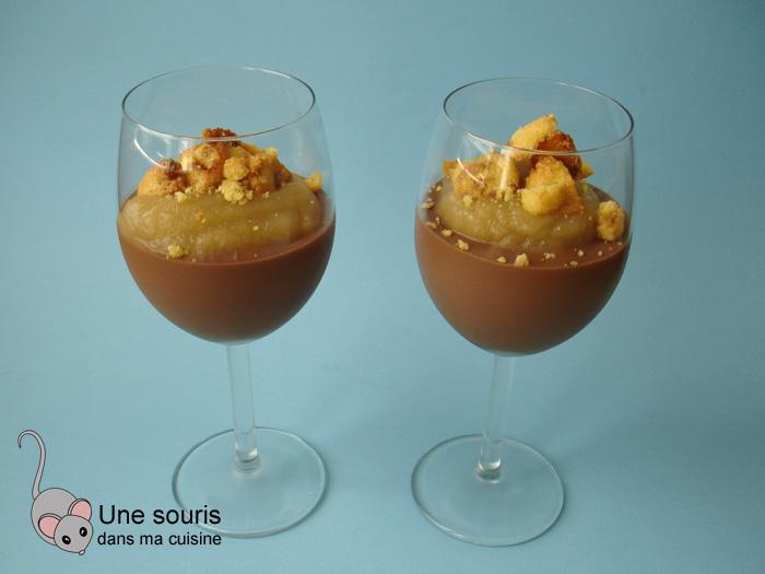 Crumble à la purée de poires et à la crème de chocolat