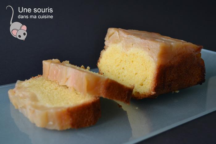 Gâteau aux pommes caramélisées au sirop d'érable