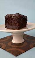Un gâteau chocolaté comme un brownie