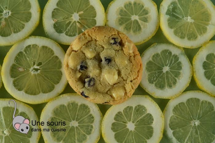 Biscuits au chocolat blanc, bleuets et citron
