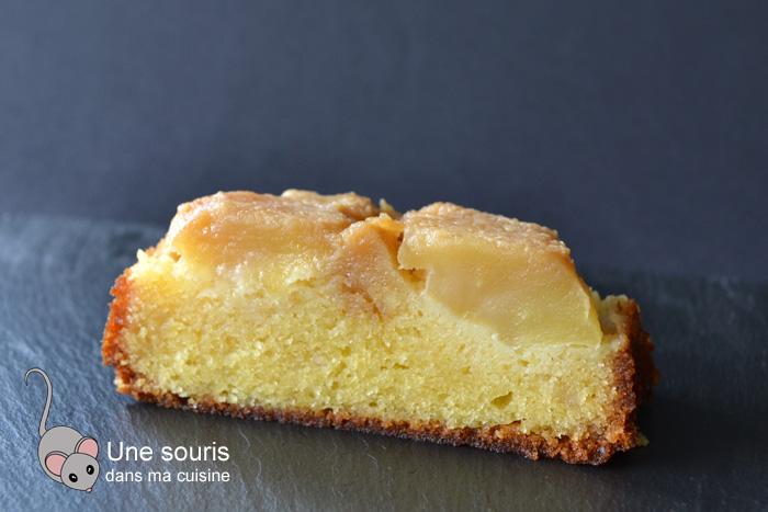 Gâteau renversé à la pâte d'amande et aux pommes