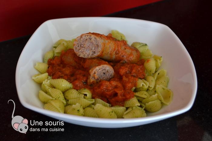 Saucisses italiennes braisées aux tomates