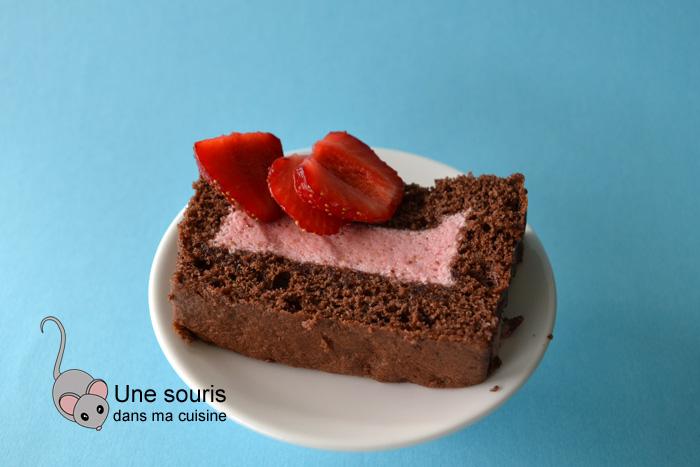 Gâteau au chocolat et à la mousse aux fraises