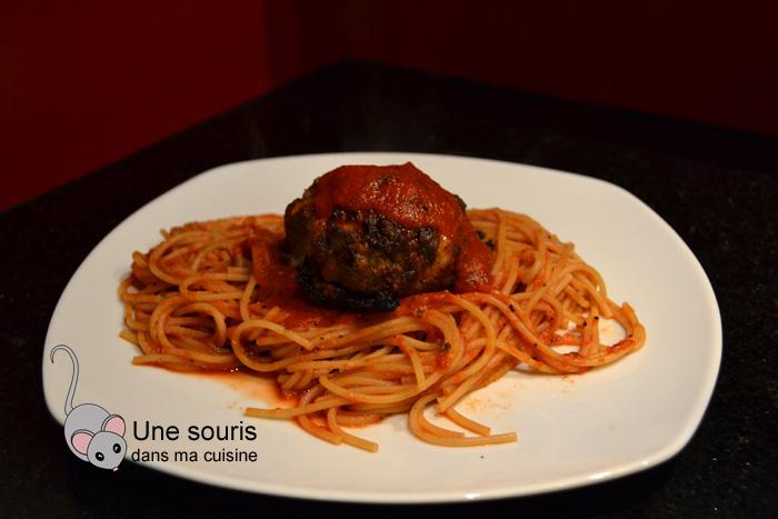 Spaghettis aux boulettes géantes