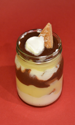 Bagatelle à la crème de clémentine et aux leckerli