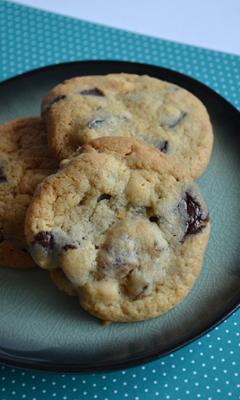 Biscuits aux dattes, noix de cajou et chocolat