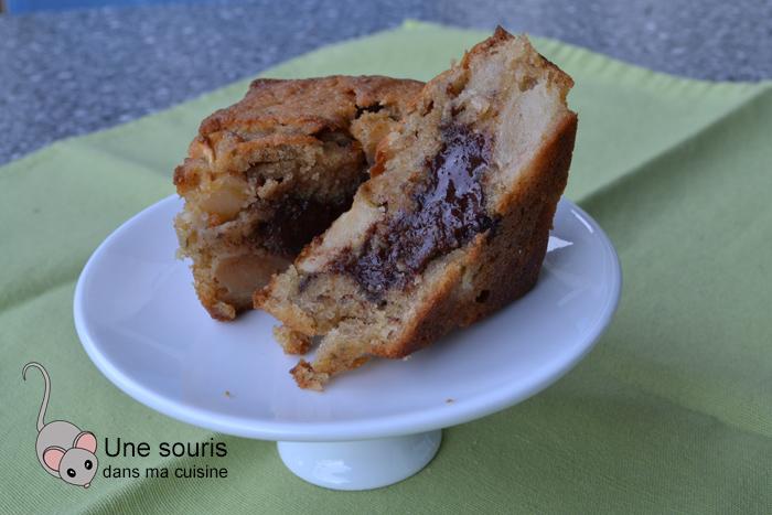 Gâteau quatre-quarts aux pommes et au chocolat fondant
