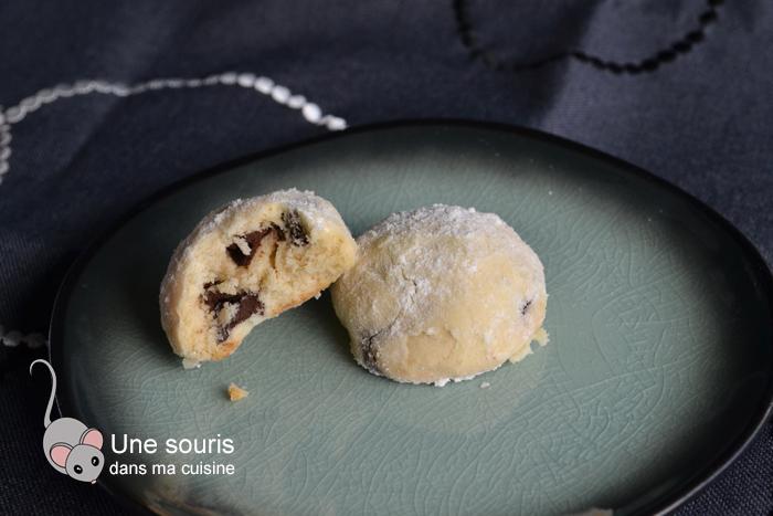 Biscuits en boule aux pépites de chocolat