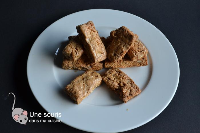 Biscuits bâtonnets aux noisettes