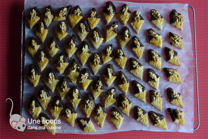 Biscuits losanges aux noix et au chocolat