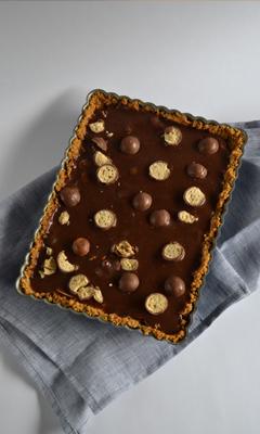 Tarte au Nutella, caramel et noix