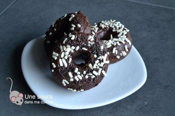 Beignes tout chocolat cuit au four