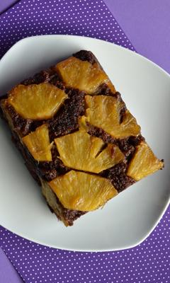 Gâteau renversé chocolaté aux ananas