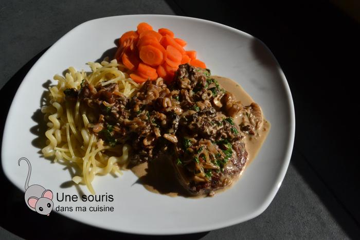 Escalopes de veau sauce aux champignons, noisettes et citron