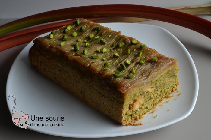 Gâteau renversé rhubarbe et pistaches