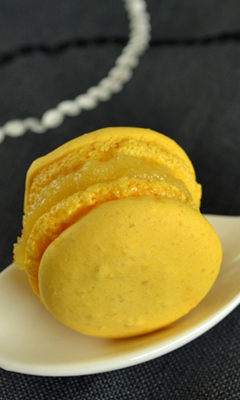 Macarons au citron et au praliné