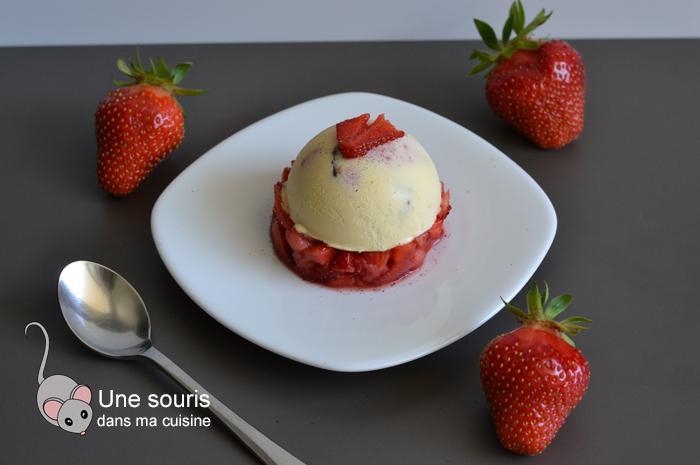 Parfait glacé avec des fraises