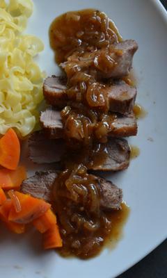 Magret de canard et sauce aux échalotes