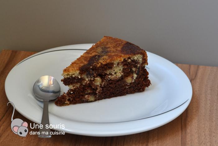 Gâteau marbré au chocolat et noisettes