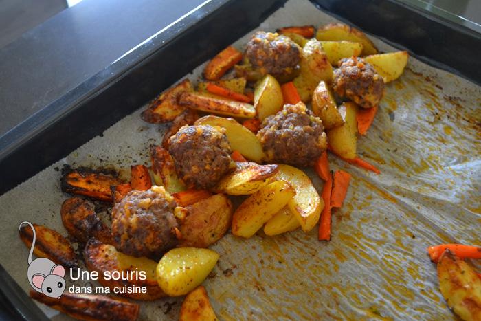 Boulettes de boeuf sur légumes au four