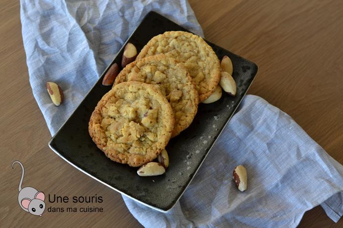Biscuits aux noix du Brésil et chocolat blond