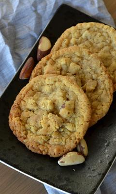 Biscuits aux noix du Brésil et au chocolat blond