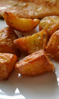 Pommes de terre confites au romarin et au thym