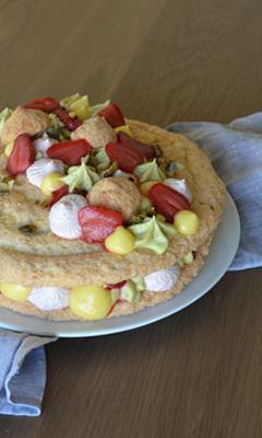 Gâteau style succès fraises, pistaches et citron