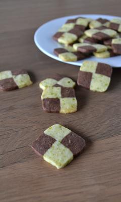 Biscuits damier chocolat-pistache