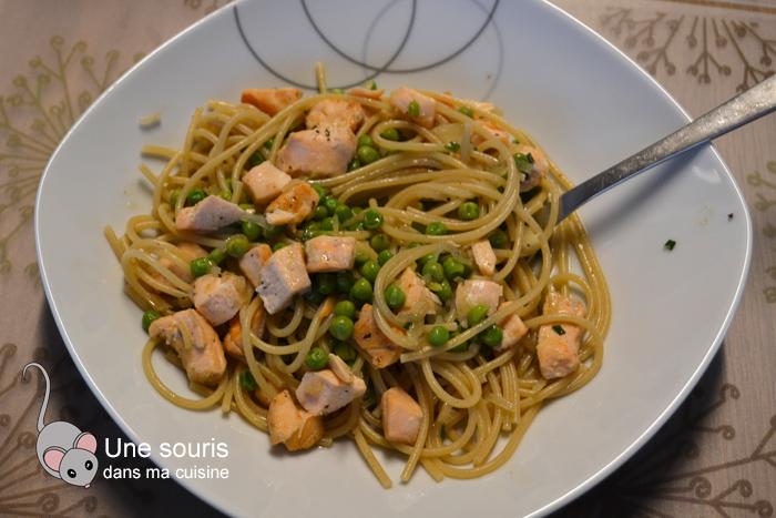 Spaghetti au saumon et aux petits pois zeste de lime