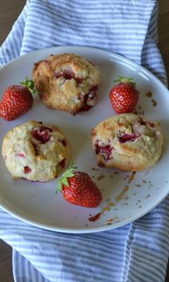 Biscuits aux fraises fraîches