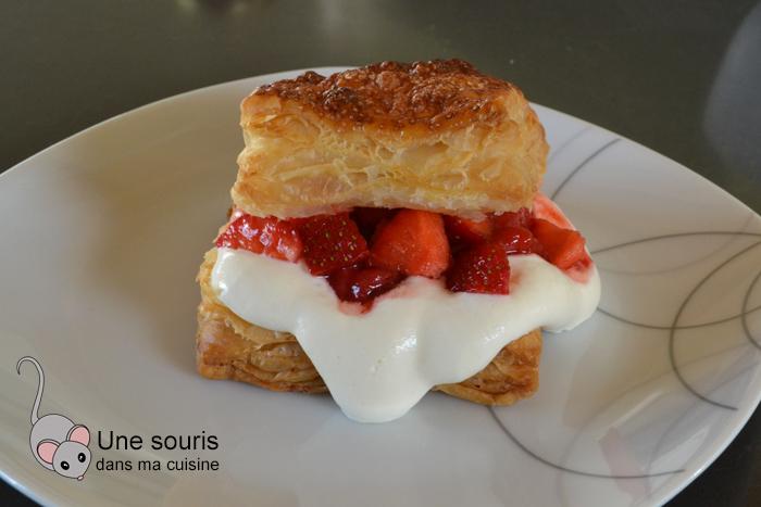 Feuilletés aux fraises & à la chantilly