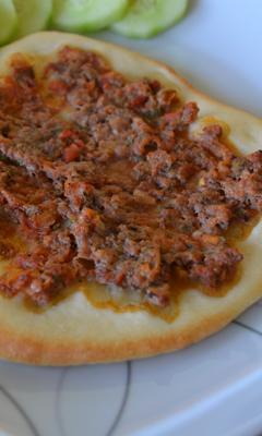Pizzas arméniennes à la viande (Lahmajoun)