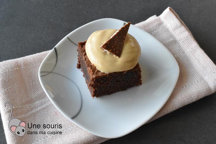 Brownie crémeux au caramel et croquant au chocolat au lait