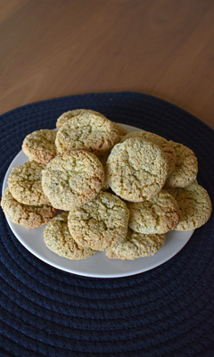 Macarons traditionnels aux pistaches et aux amandes